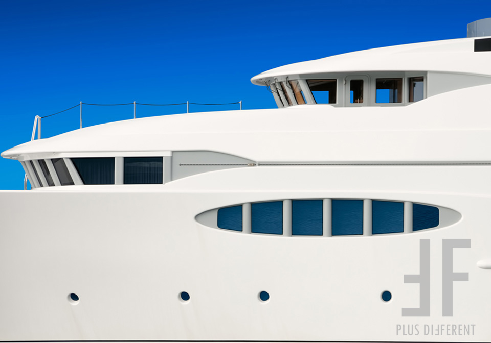 plusdifferents-yachts-01
